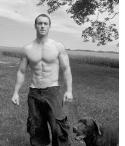 craig ballantyne in a state of rippedness with his labrador