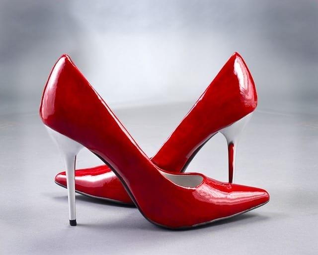 zapato rojo photo