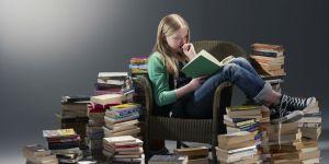 Leyendo-libros-en-papel
