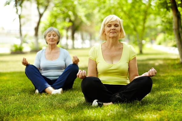 Comment vieillir en bonne santé avec le Yoga