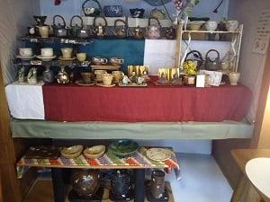 ハンドメイドの陶器類