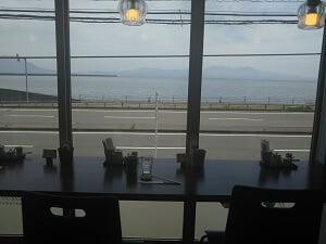 うりんどんの海が見える席の写真