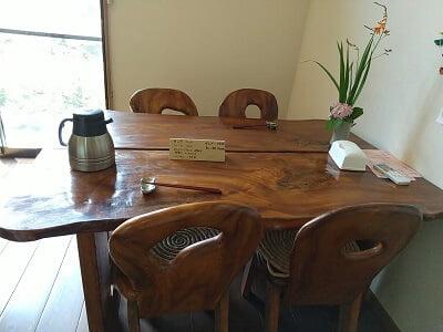 香林の左奥のテーブル席の写真