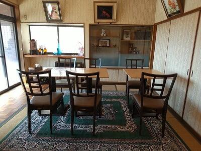 広瀬の遊膳感の左手前の部屋の雰囲気の写真