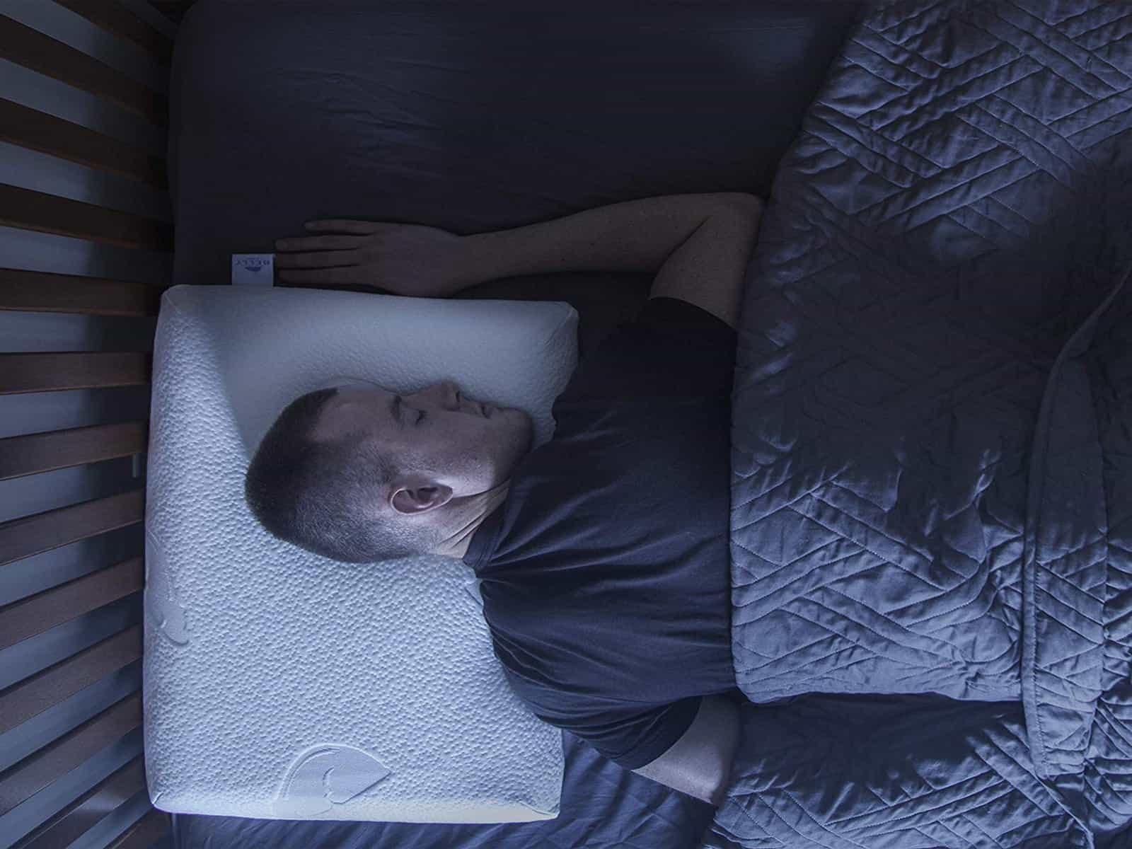 7 Best Pillows For Stomach Sleepers 2020 Relaxing Gears