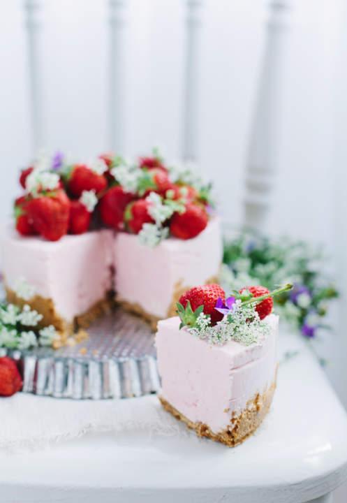 No Bake Strawberry Cheesecake by Linda of CallMeCupcake.