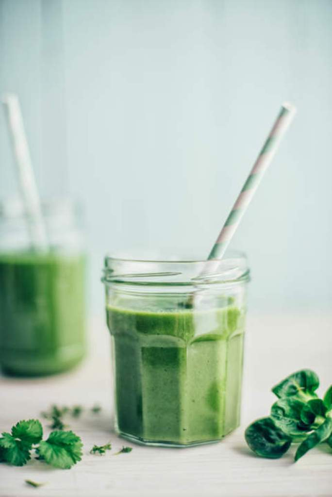 Green Smoothie in Jars