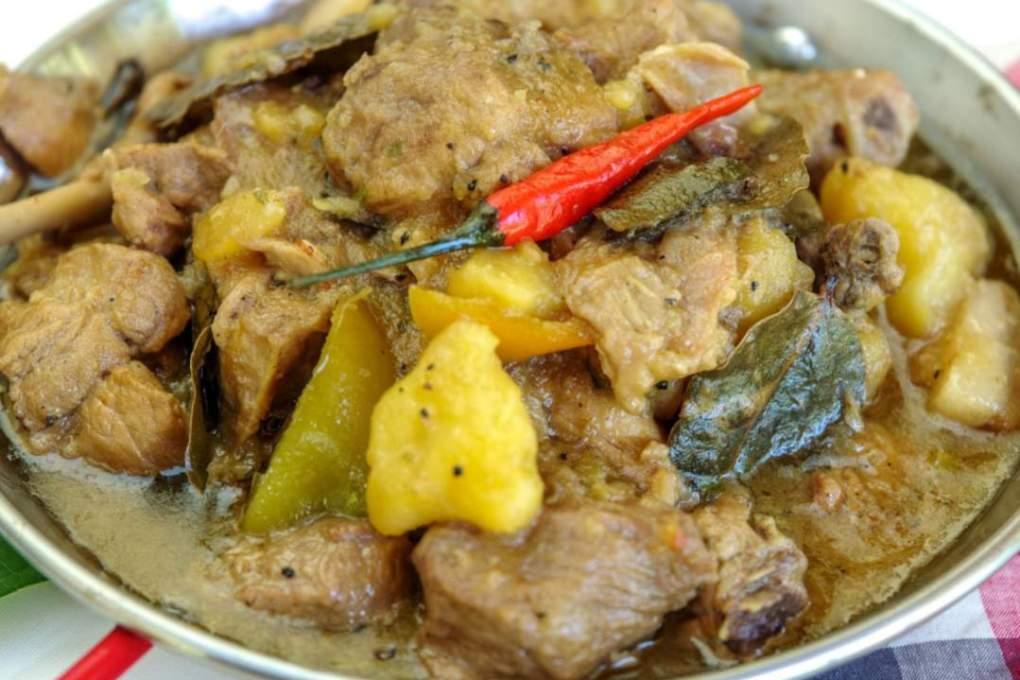 Adobo sa Dilaw Recipe -Relax Lang Mom Pinoy Recipe Blog