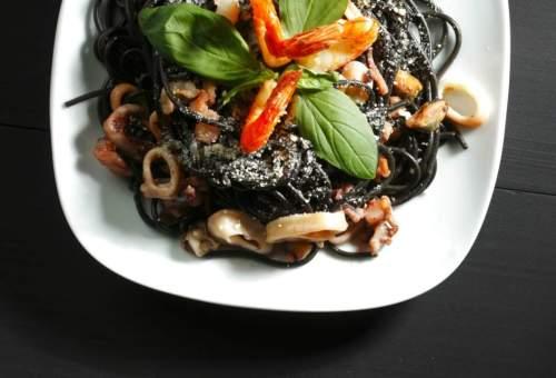 Spaghetti Negra: Pasta in Black Squid Sauce and Aligue