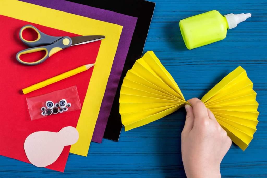 Step 6. folded paper in form of fan