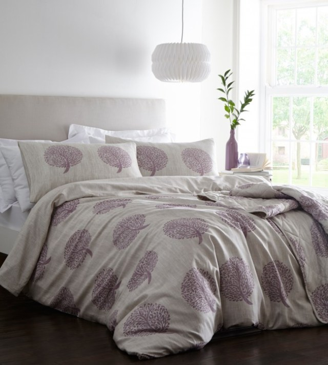 Freshen up your bedroom easily with bedspreads