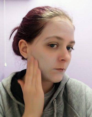 Applying Procoal Face Scrub