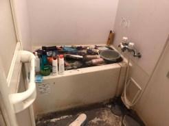 汚部屋 風呂 清掃前 リライブル