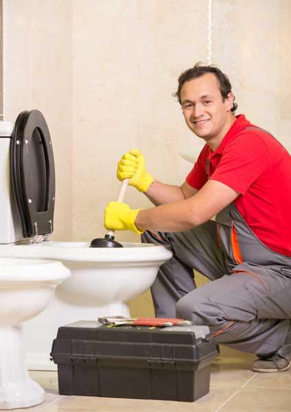 Fort Collins, CO Plumber repairing plumbing emergency