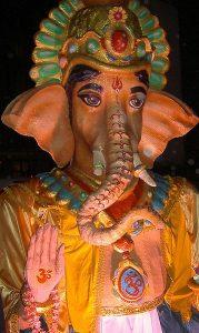 Er guden Ganesh et tidlig eksempel på plastisk kirurgi? Foto: Kushi - Wikimedia Commons.