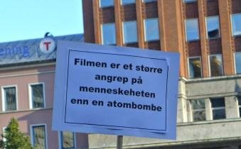 Filmen=atombombe markering 21.9.2012 (2)_picmonkeyed