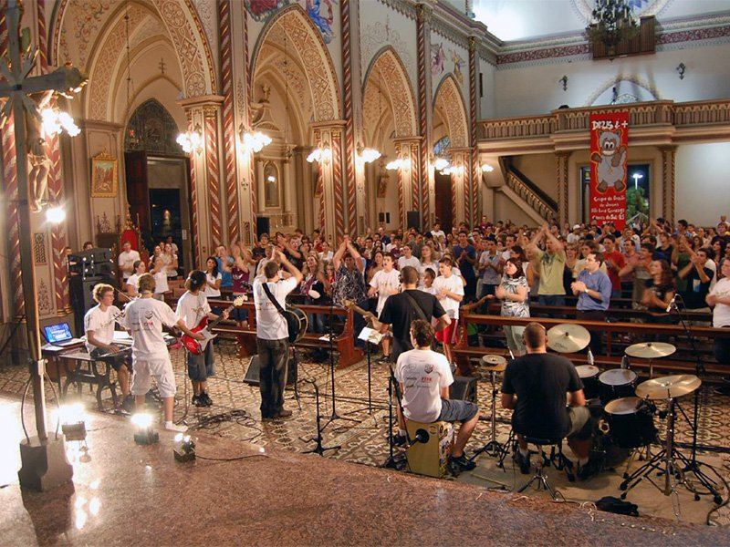 A Catholic Charismatic Renewal youth healing service in Brazil in 2009. Photo courtesy of Creative Commons