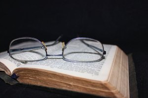 2014.09.22 book-and-glasses