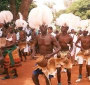 acholi-dancers