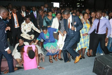 "AFTER REVELATION OF SOURCE OF POWER ""PROPHET/OVERSEER"" WHO PRAYED FOR MANDELA STEPS DOWN AS HEAD OF CHURCH!"