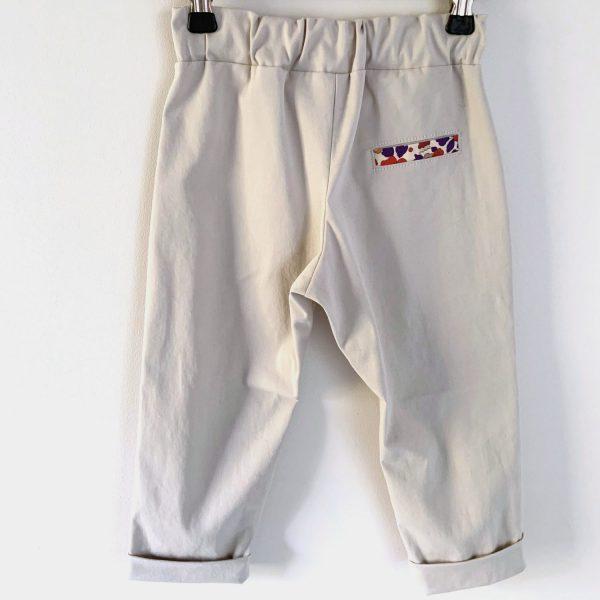 Pantalon sur un cintre