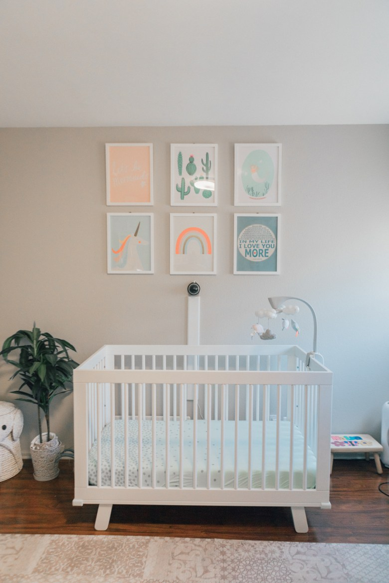 Blogger RELish By Arielle shares where to buy the best organic crib sheets for her baby's nursery