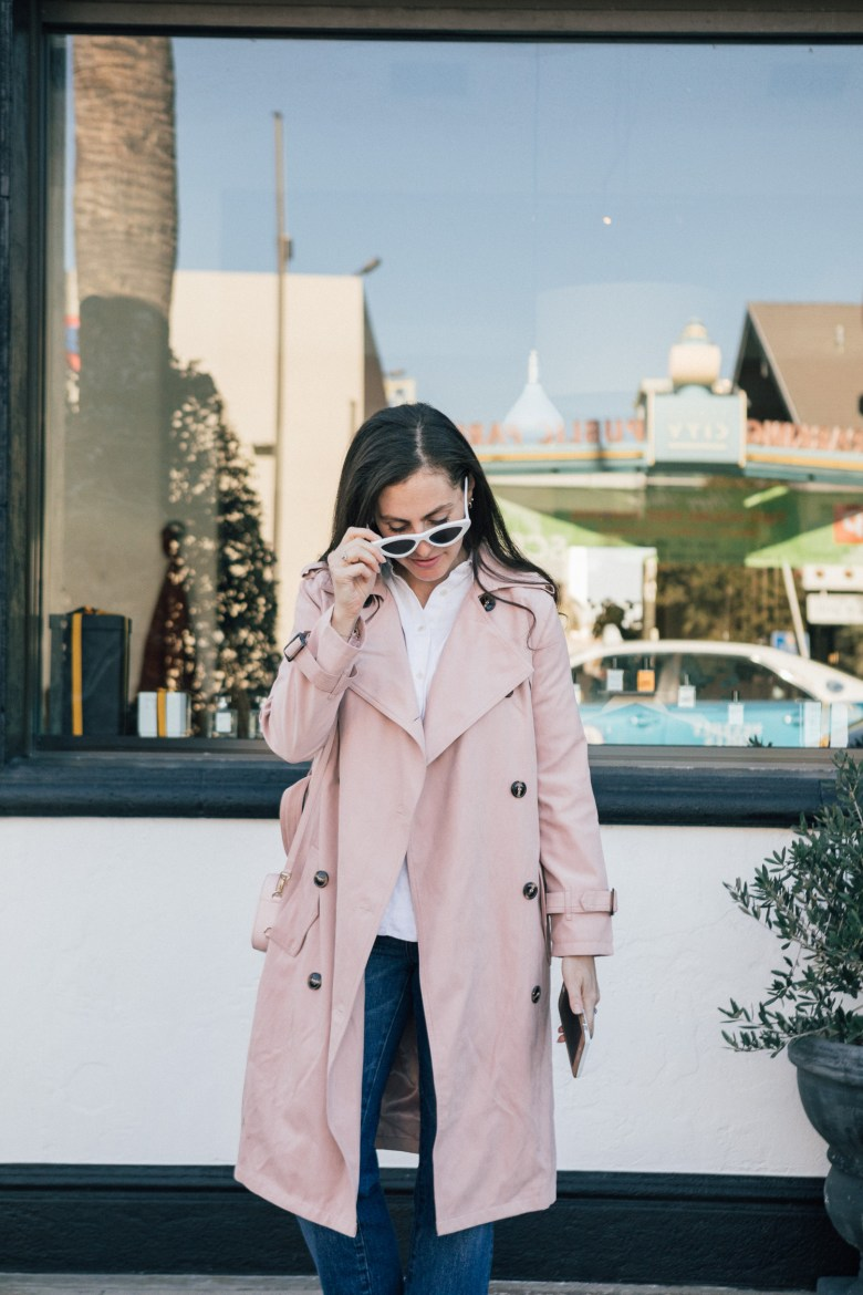 LA blogger wears a pink chicwish trench