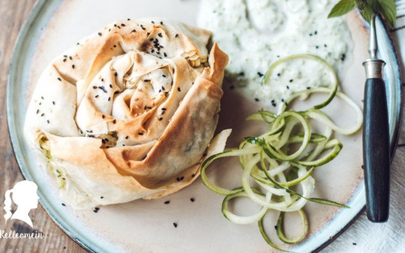 Börek Rezept mit Feta und Zucchini | relleomein.de #foodblogger #börke #vegetarischesrezept