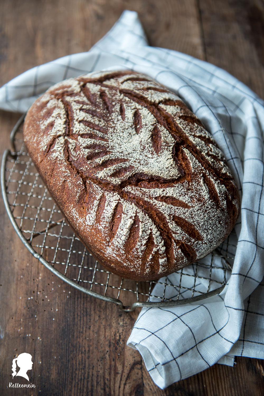 Dinkelbrot mit Joghurt - schnelles Brot - Roggenmehl und Dinkelmehl | inkl. Thermomix® Rezept | relleomein.de