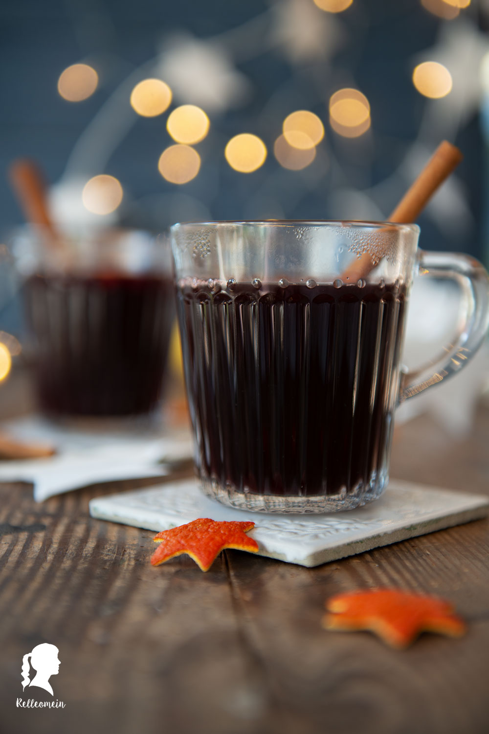 Glühwein mit Schuss oder ohne - Vanille Glühwein selbst gemacht - Rezept für Vinzerglühwein   relleomein.de #glühwein #weihnachten #mulledwine #foodblogger