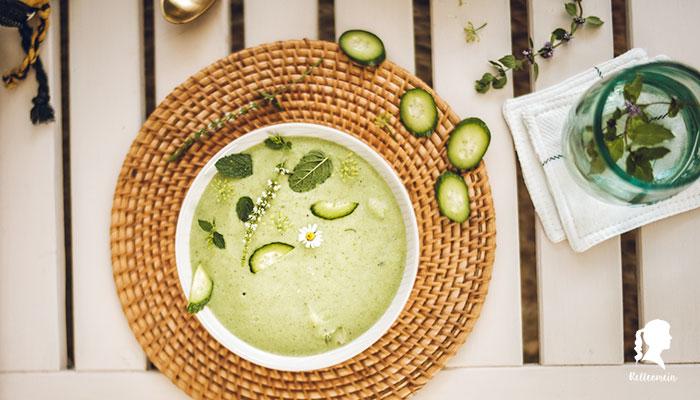 Kalte Gurkensuppe - veganes Rezept - Sommerrezept für kalte Suppe | relleomein.de #vegan #foodblogger #suppe