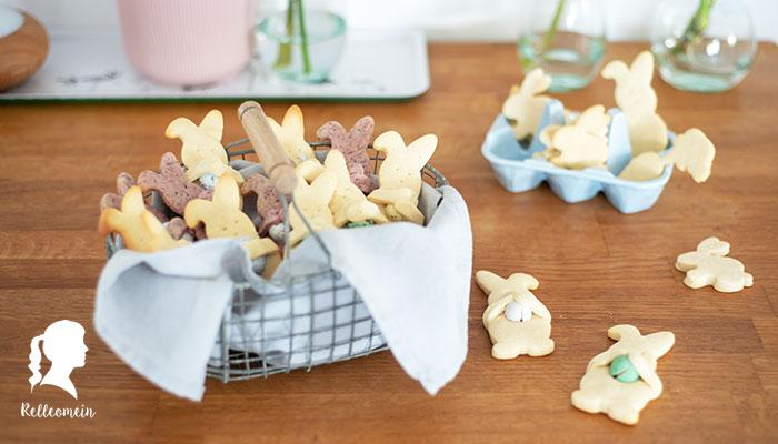 Ostergebäck - Hasenkekse mit Schokoeiern - Backen für Ostern - Ausstechkekse | relleomein.de #backen #ostern #thermomix