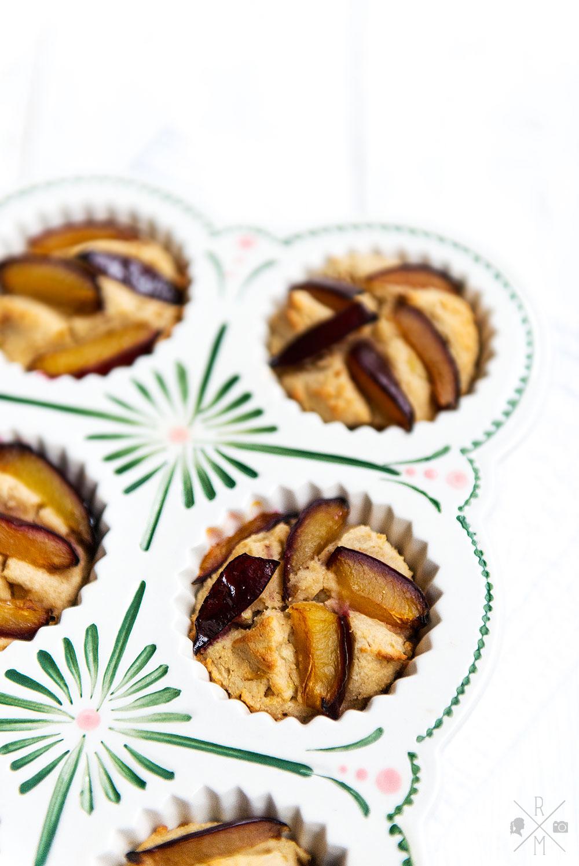 Pflaumen Kokos Frühstücksmuffins | relleomein.de #rezept #thermomix #muffins #breakfast