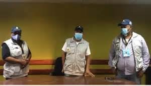 Photo of Denuncian dos encapuchados robaron valija al presidente y al secretario de un colegio electoral en Barahona