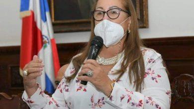 Photo of Gobernadora de Santiago busca que musicólogos y empresarios puedan laborar en pandemia
