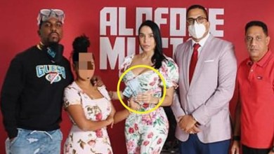 """Photo of El equipo de """"Alofoke Radio Show"""" entregó los 300,000 pesos que prometió"""