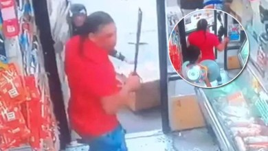 Photo of Cámara capta ataque con machete en bodega del Bronx NY