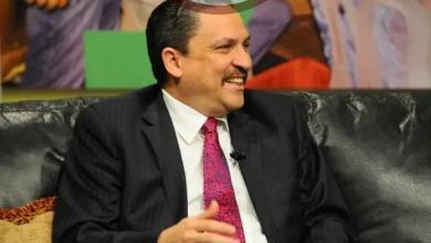 Photo of César Prieto tenía tres días sin dormir, sentado en la galería de su casa
