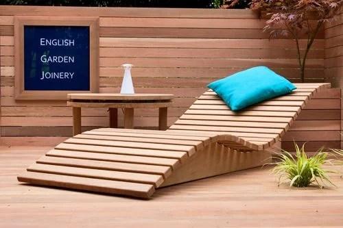 chaises longues et canapes en bois