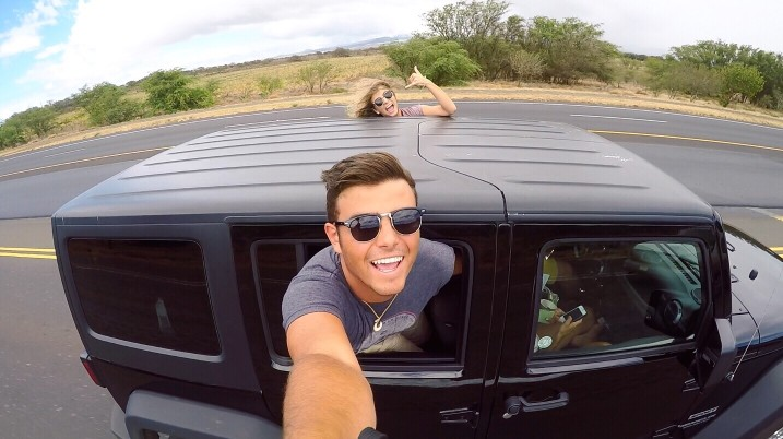 taking-the-jeep-out-for-a-spin_t20_NQGyg2