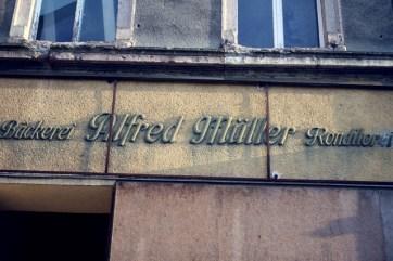 Alfred Müller.