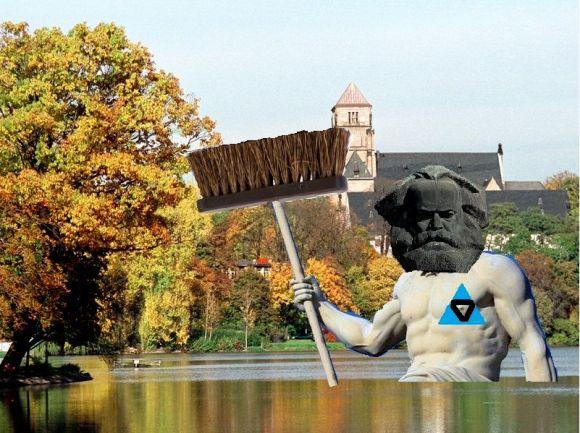 Marx-Monster! Re:marx ist eine seltene Aufnahme gelungen vom Chemnitzer Loch Ness - Poseimarx räumt auf mit Klischees, Einweggrillen, Venedigwitzen, und vor allem: Buzzfeedbildchen.