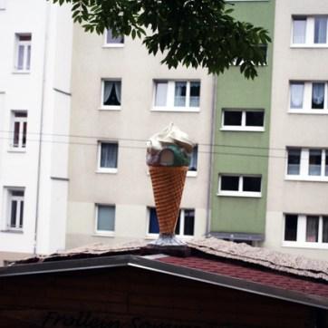 Jeder mag Eis, nur die Sonne, die hasst es.