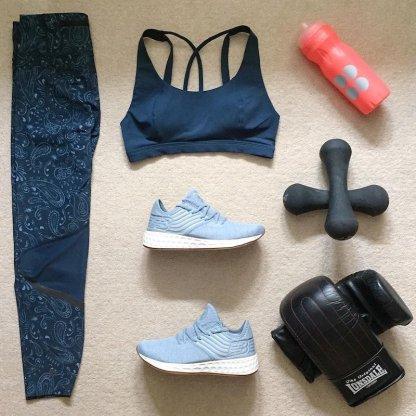 Sweaty Betty Zero Gravity 7:8 Run Leggings - Blue Spring Paisley - Flat Lay