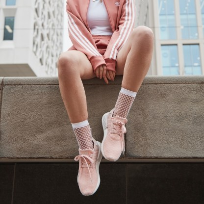 adidas Originals NMD_R1 Shoes - Pink 6