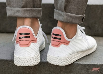 hot sale online 74c70 1ed96 adidas Originals Pharrell Williams Tennis Hu - Pink - Rematch