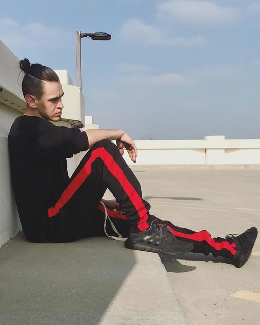adidas Originals Swift Run Shoes – Black - style