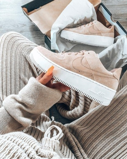 Nike Air Force 1 Sage Low - Beige - Shoes 2019 - close up - cosy