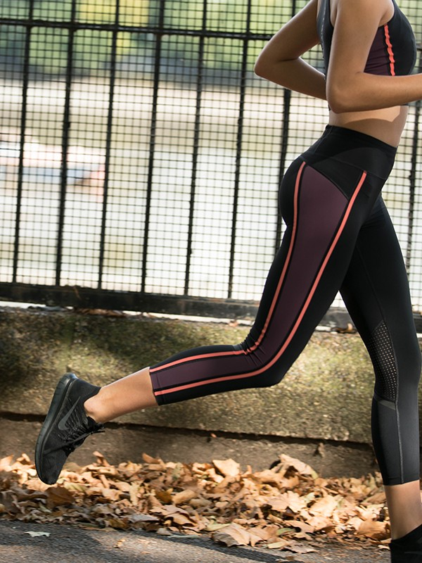 Sweaty Betty - Zero Gravity 7:8 Run Leggings - Size Small - woman runner