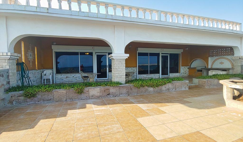 Waterfront Manglares House
